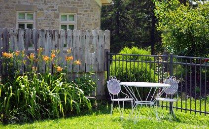 Обустраиваем сад: мебель